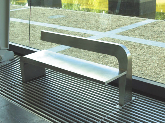 Cantilever Seat